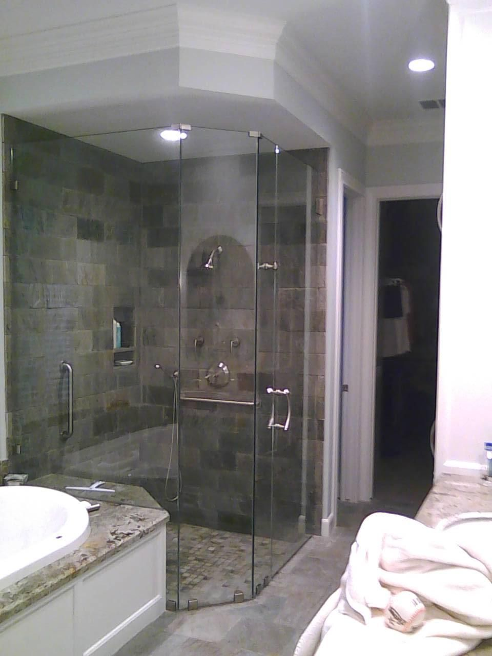 Frameless showers by Dauphin | Dauphin Sales Suite 273 at The ...