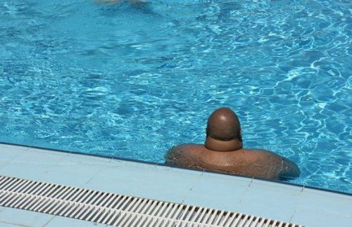 penis swimmingpool