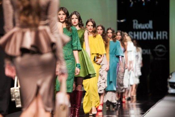 Neodoljiva ženstvenost Aleksandre Dojčinović #fashionhr #runway