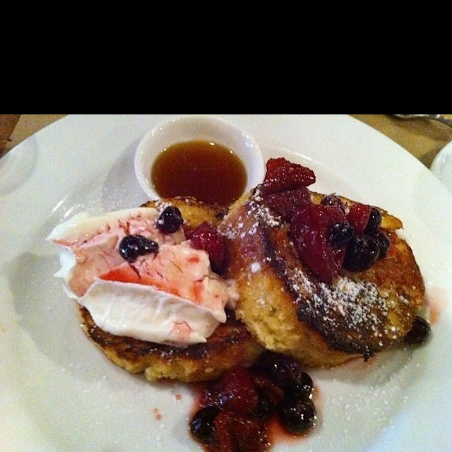 Possibly My Favorite Brunch Meal: Almond Brioche French