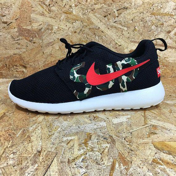 dernière ligne qualité supérieure Nike Roshe Courir Noir Avec Des Taches Blanches Bape 2SPG1EOw7W