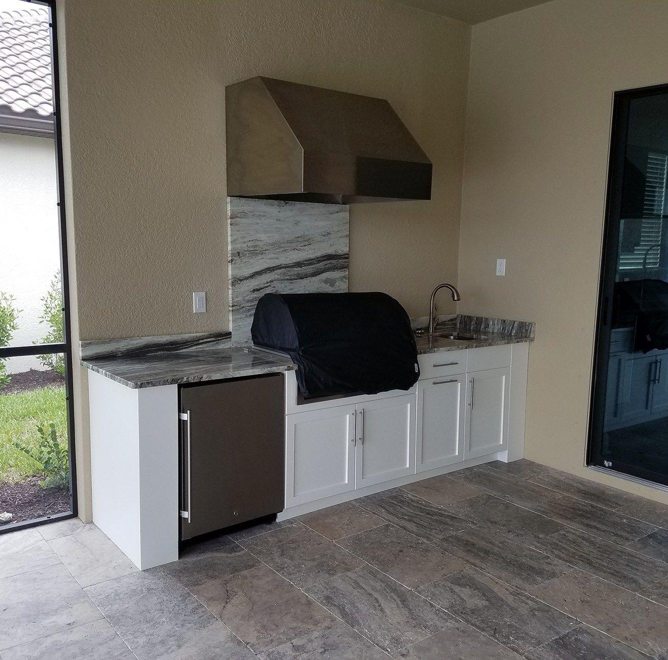 Simply Elegant Florida Outdoor Kitchen Kitchen Contractors Outdoor Kitchen Design Kitchen
