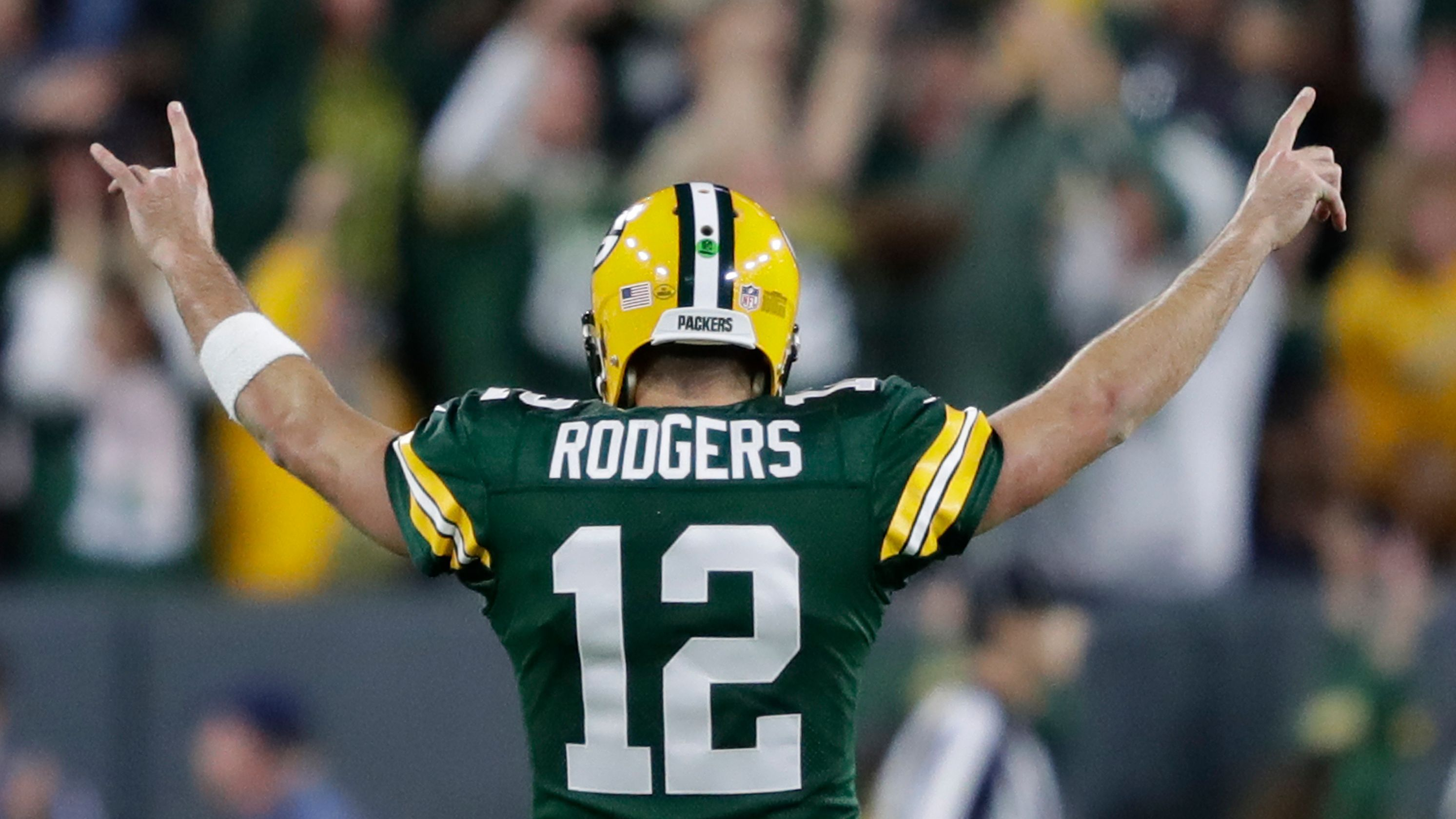 Aaron Rodgers Has A Cannon For A Right Arm And On Sunday Night He Used It Against The Bears To Turn The Borderline Imp Aaron Rodgers Packers Green Bay Packers