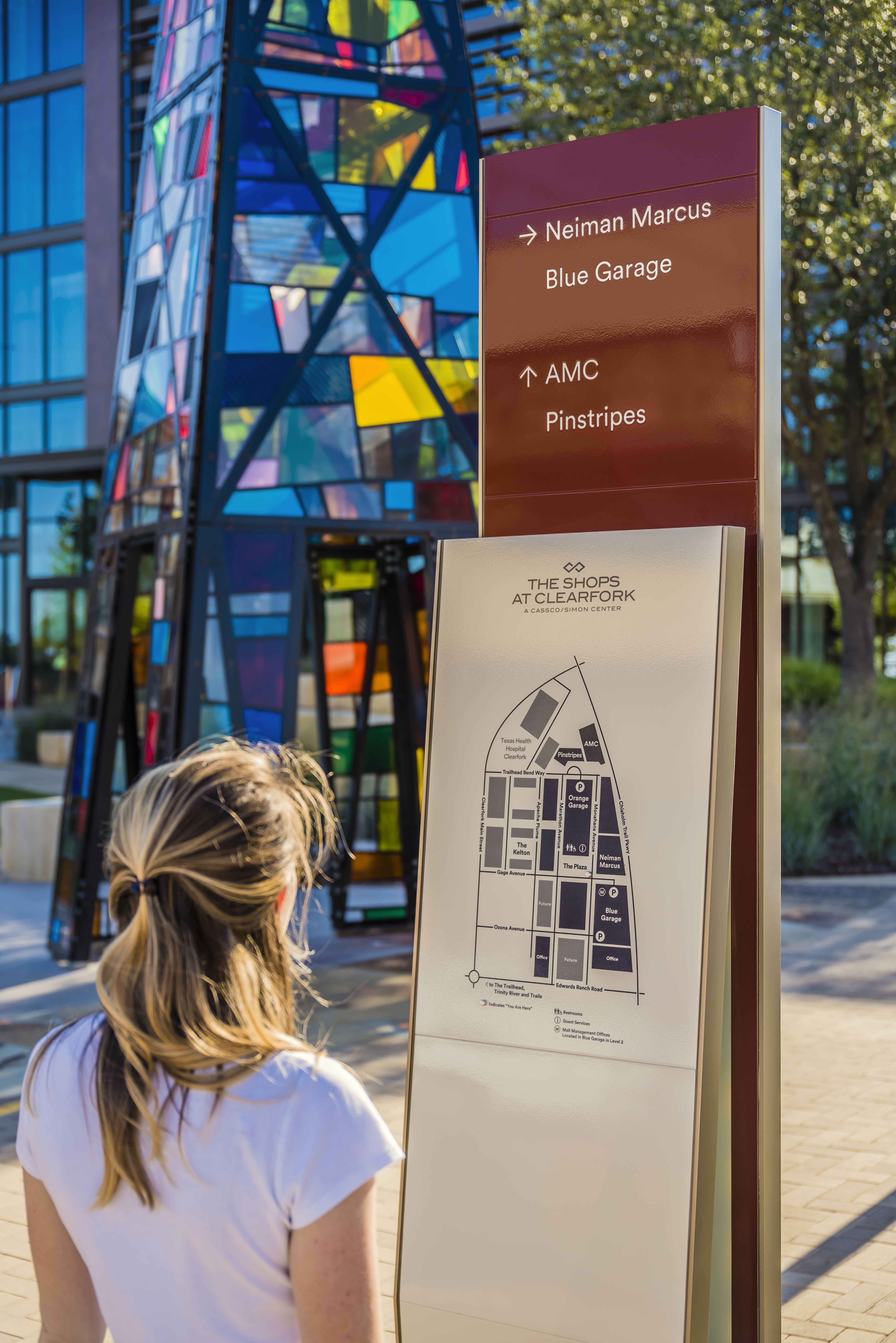 Wayfinding Graphics By Dallas Based Placemaking Design Firm Rsm Design Wayfinding Signage Design Wayfinding Signage Wayfinding
