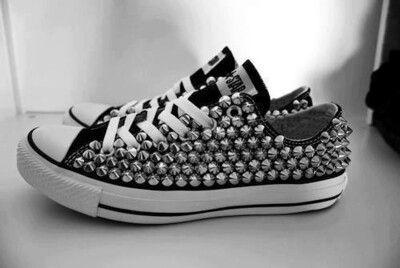 newest d4c89 dde2a Estoperoles Zapatos Azules, Vestimentas, Tenis, Otoño Invierno 2015, Moda,  Tachas,