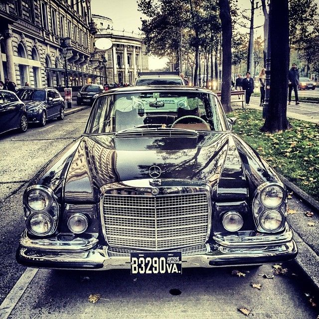 Beautiful mercedes classiccar in wien vienna