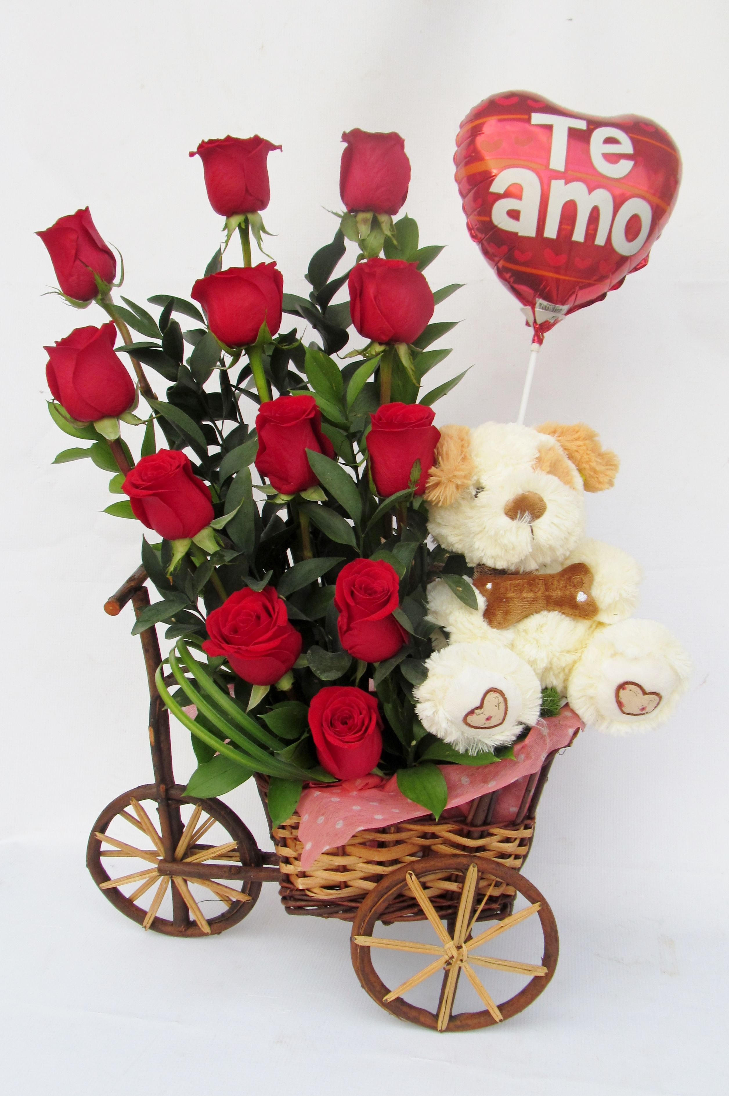 Lindo Arreglo Para Con Rosas , Peluche Y Globo Valentine