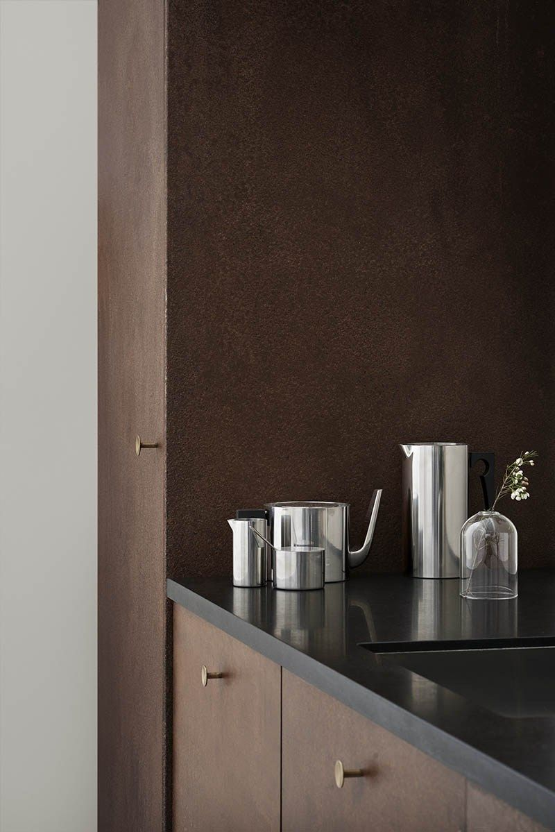 Arne jacobsen interior your home needs this cylindaline by arne jacobsen for stelton