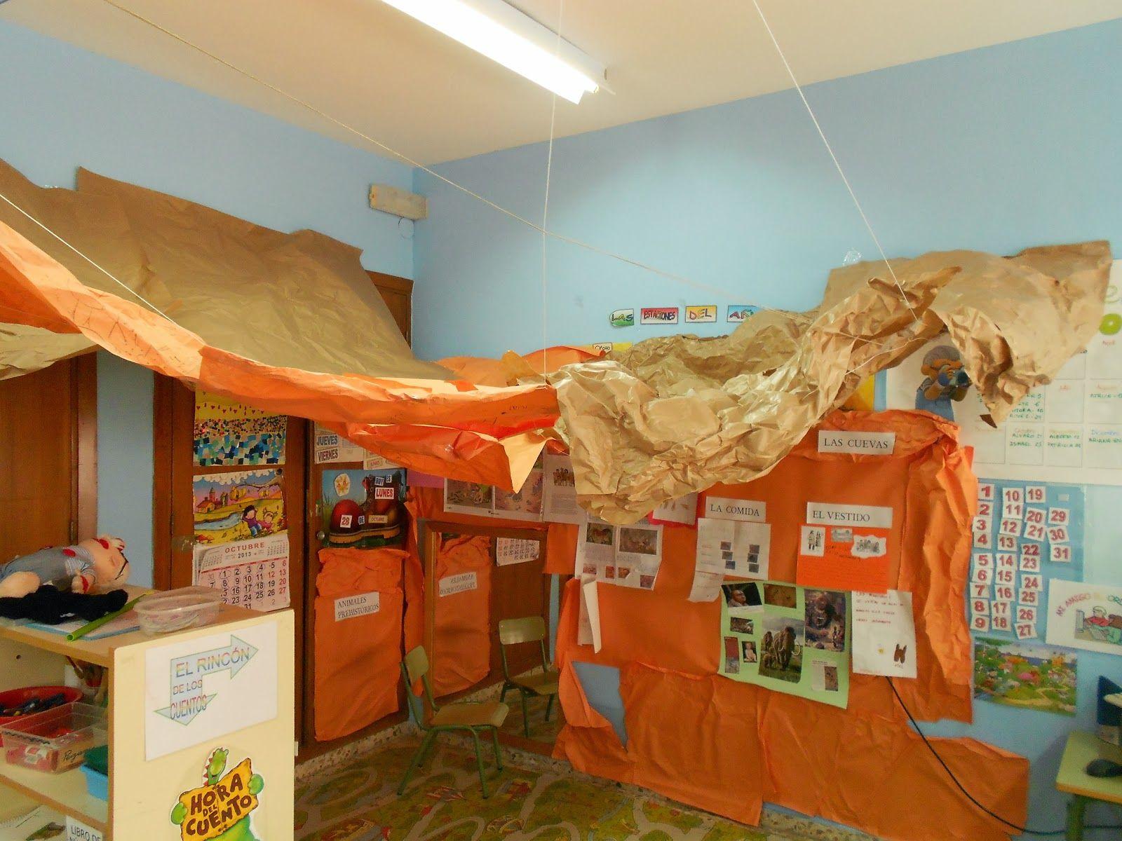 Puerta decorada prehistoria buscar con google for Puertas decoradas con dinosaurios