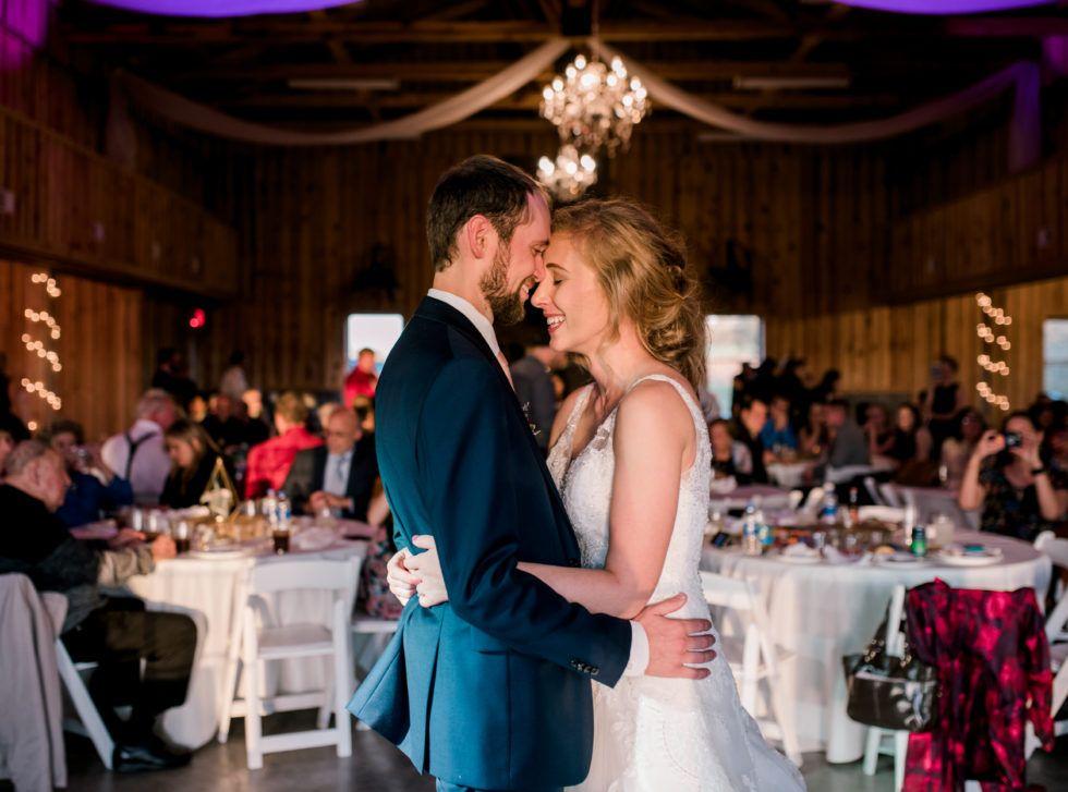 Lawrenceburg Laura Brian In 2020 Kentucky Wedding Wedding Spring Wedding