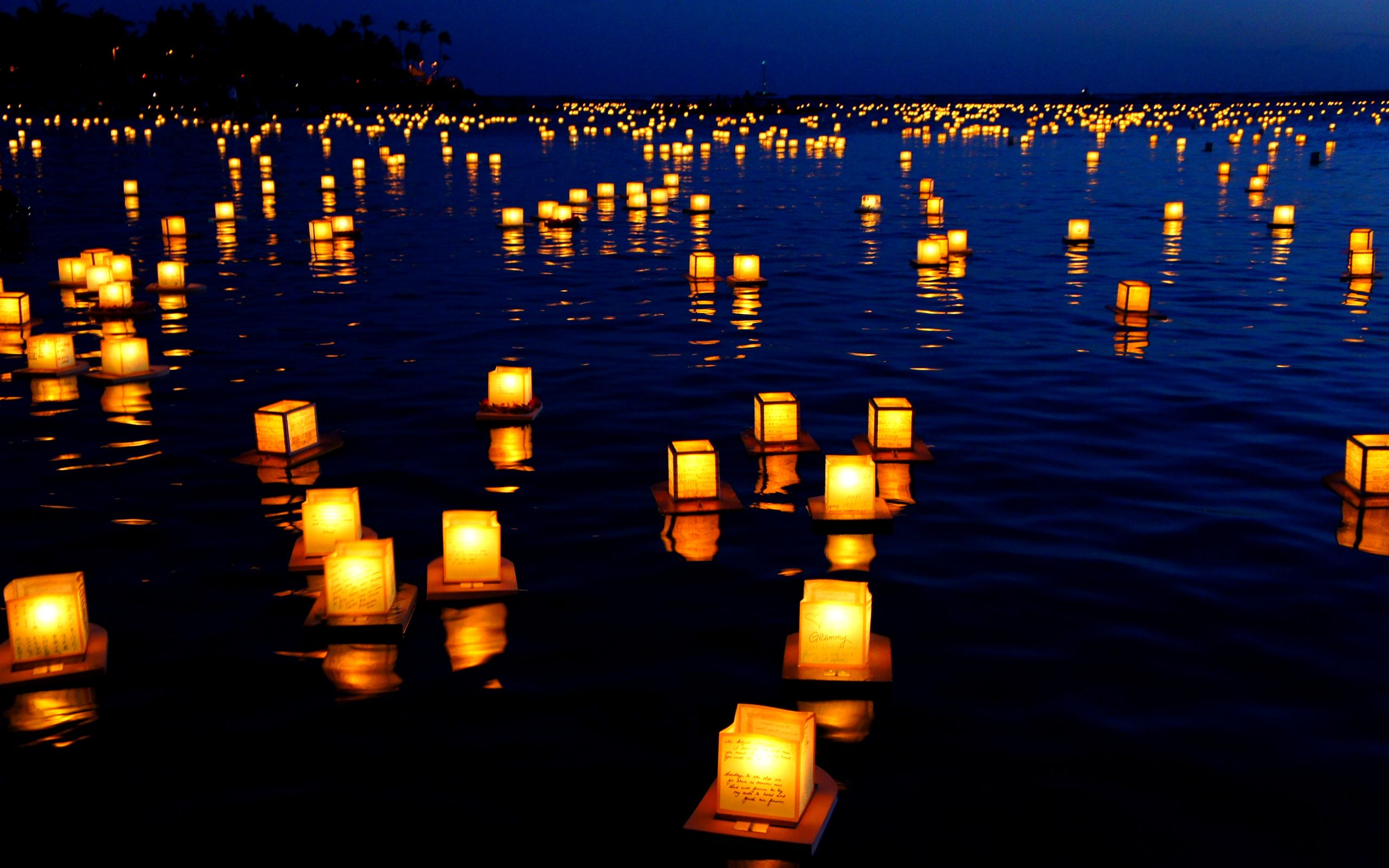 Free Water Candle Wallpapers Desktop Floating Lanterns Candles Wallpaper Floating Lantern Festival
