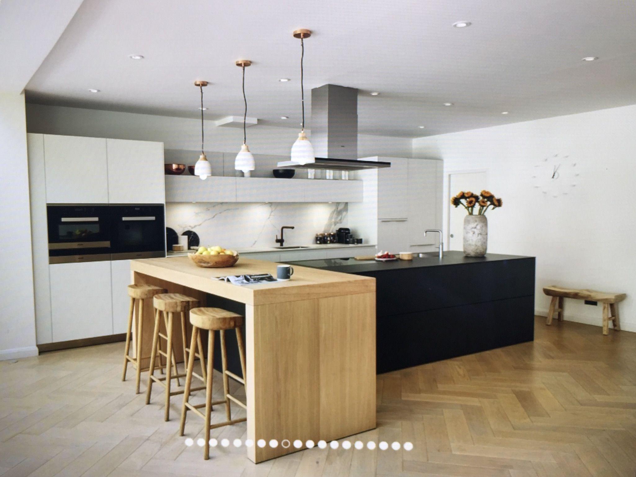 Bulthaup Tresen Holz 90 Grad zur Insel Small kitchen