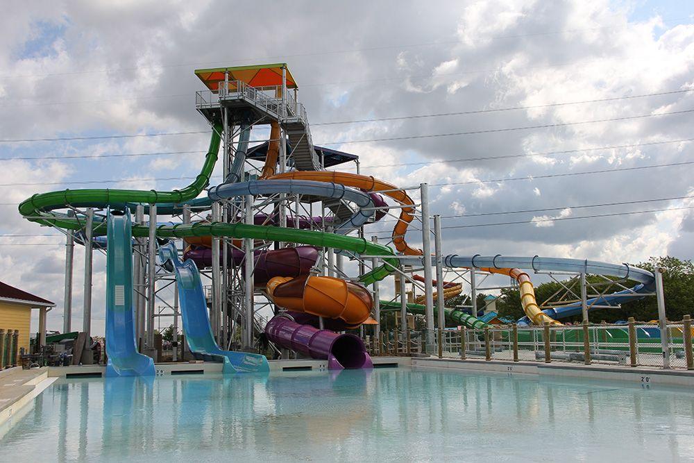 Time For Triviatuesday Dyk Tropical Plunge At Kings Island S Soak City Is 65 Feet Tall Soak City Cincinnati Attractions Newport Aquarium