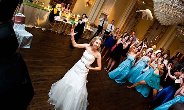 Brides Throwing Cats Is The Wedding Tumblr You Didn T Know You