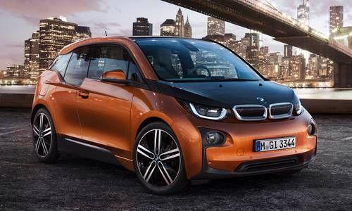 #BMW #i3. Dotée d'une propulsion 100 % électrique et taillée sur mesure pour répondre aux exigences d'une mobilité durable zéro émission, elle incarne le déplacement intelligent.