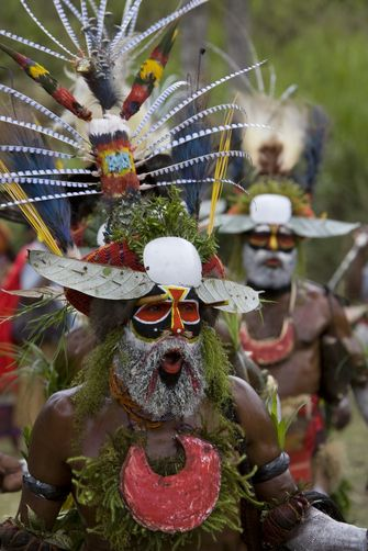 Papua New Guinea | Villagers in traditional ceremonial dress at Payakona. Western Highlands | ©Tim Laman