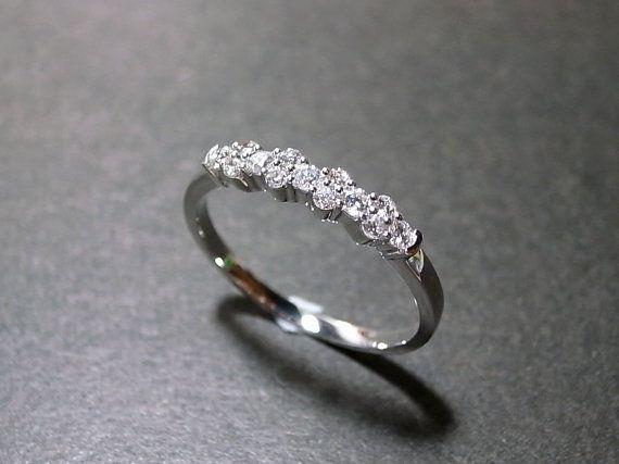 Diamant-Hochzeit-Ring in 14K White Gold von honngaijewelry auf Etsy