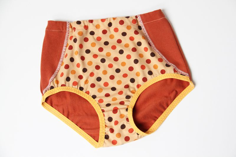 Ušijte dětské nebo dívčí kalhotky ve slušivém retro stylu. Podívejte se na  jednoduchý návod a střih. Šití zvládnou i začátečníci. Více na Prošikulky.cz bedd265448