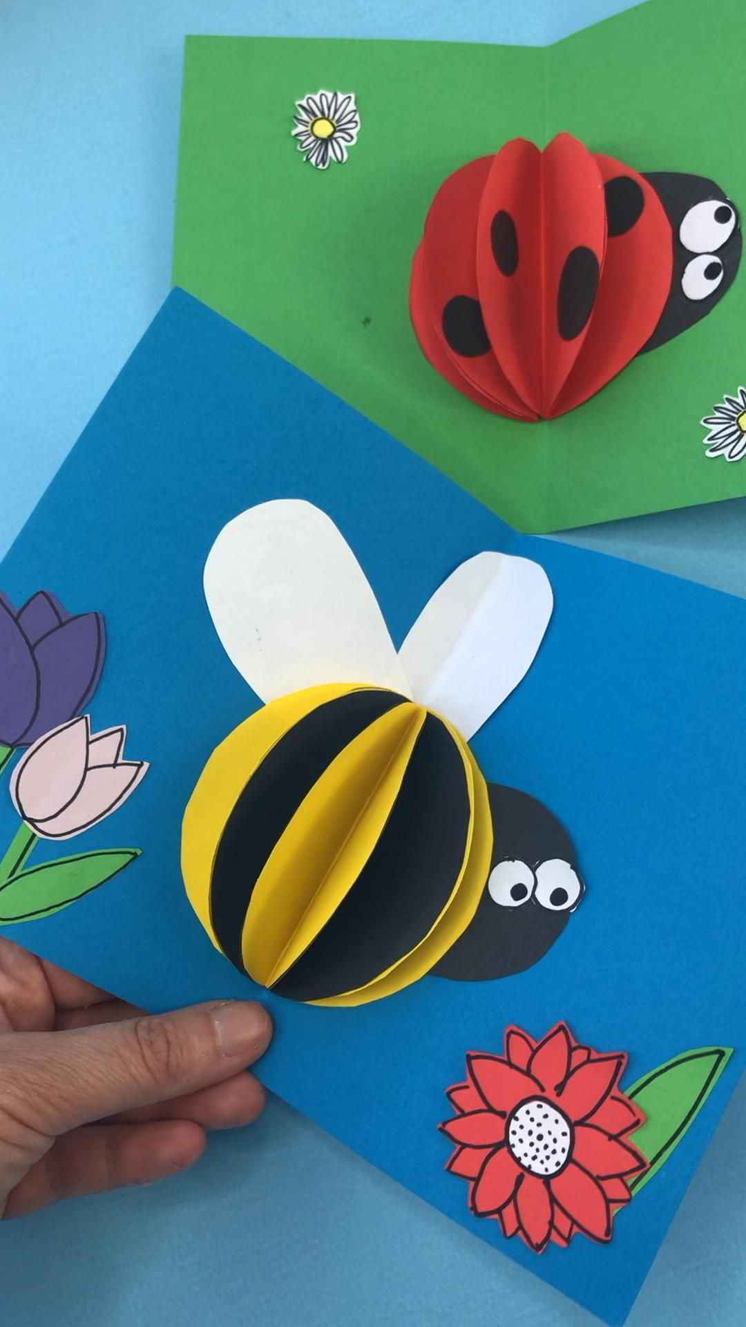 Red Ted Art's easy 3d paper bee card for kids to make and send. We love easy pop up cards.. and this bee (and ladybug) card is sun and easy. So very cheerful and happy. Great for Mother's Day, Valentine's (Bee Mine) or Birthdays (you are the Bee's Knees).