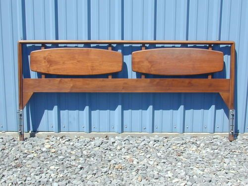 Best Lane Furniture Mid Century Modern King Size Headboard Bed 640 x 480