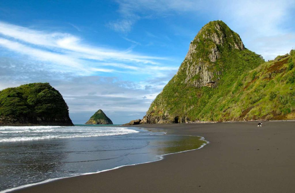 9 Places to Surf on the North Island - Backpacker Guide ...