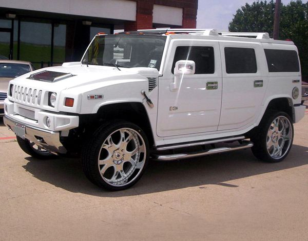 I Would Like To Get A White Luxury Hummer With A Chrome Package For My Graduation Present In December Hummer H2 Hummer Hummer Cars