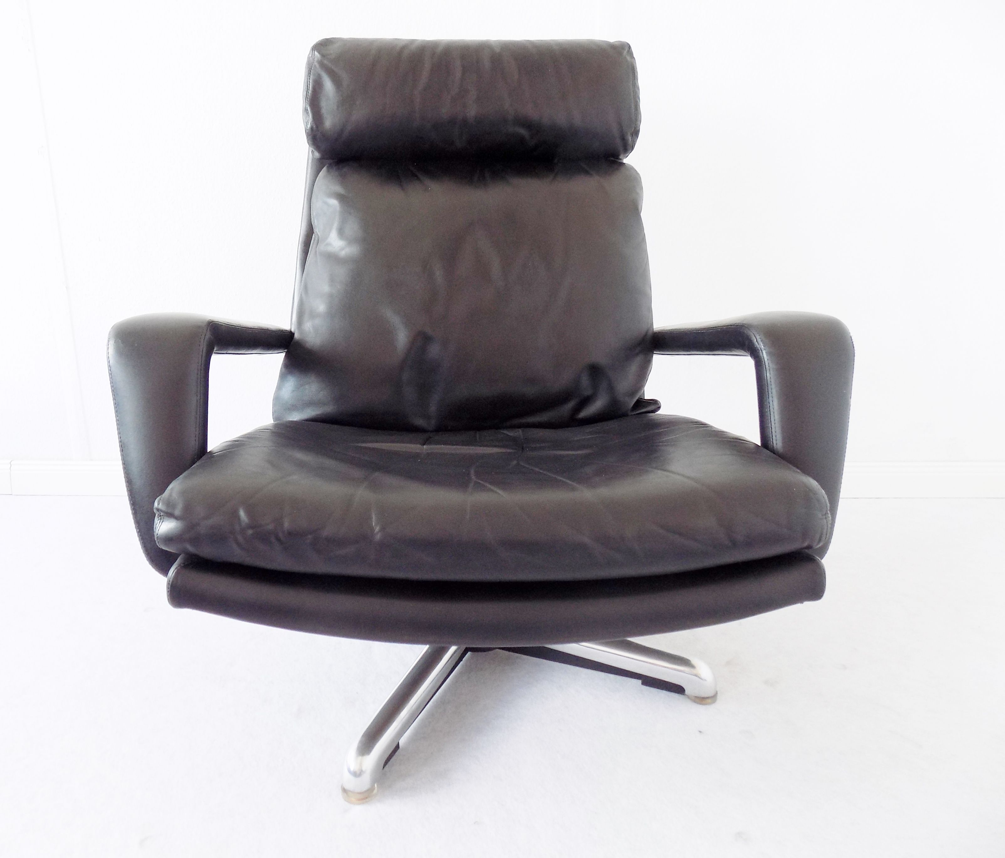 Hans Kaufeld Lounge Chair In 2019 Chair Lounge Vintage Chairs