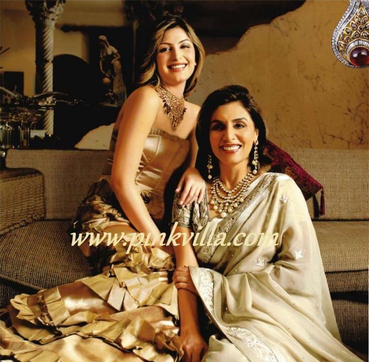 Nitu Singh With Daughter