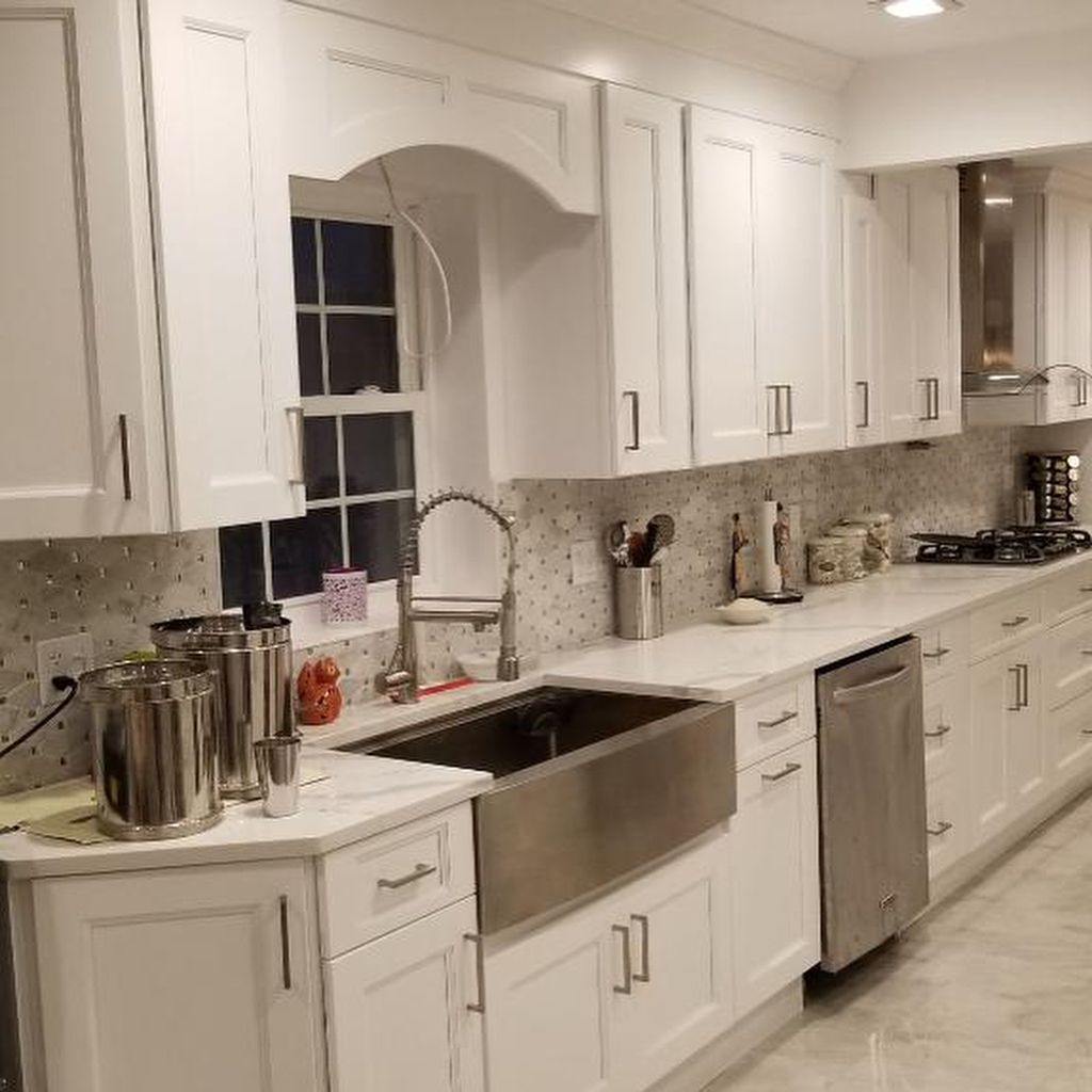 Pin By Olivia Smith On Fabuwood Cabinetry In 2020 Grey Tiles Cabinet Flooring