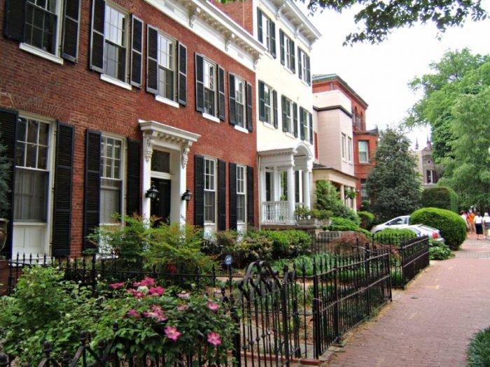 Here Are The 7 Most Beautiful Charming Neighborhoods In Washington Dc Washington Dc Houses Dc Apartments The Neighbourhood