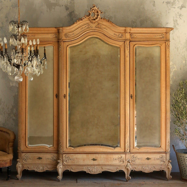 Gorgeous Vintage 3 Door Srmoire In Old Bleached Oak 4 670 75