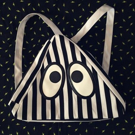 2015 new cute cartoon canvas backpacks for women and men brands big eyes bag zipper school bags Triangle style shoulder bags