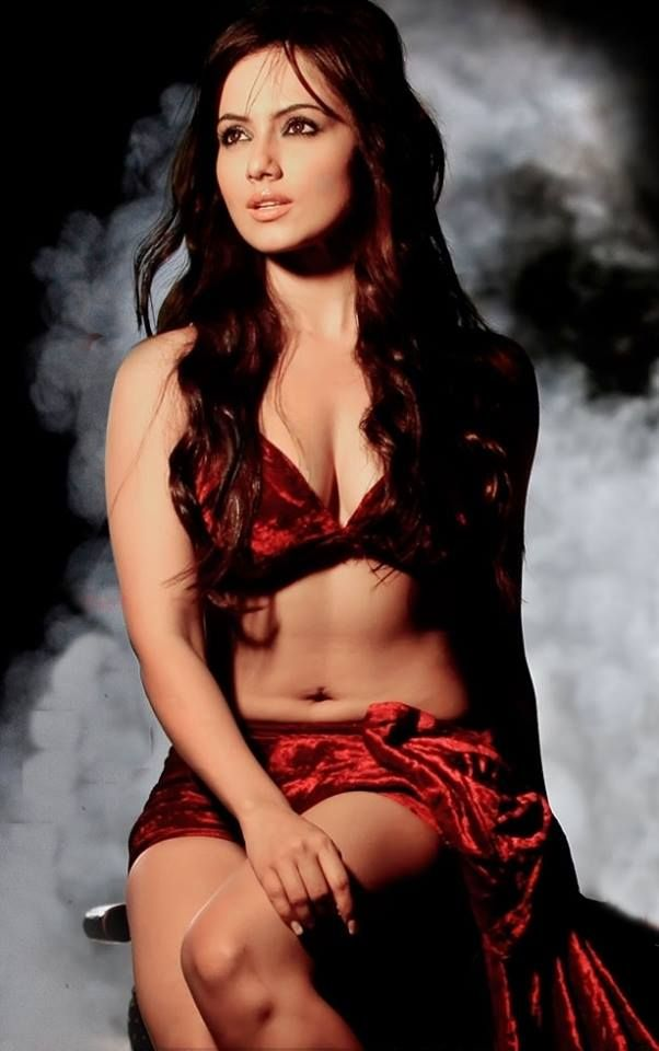 Sexy photos of sana khan boobs, year old girl having sex