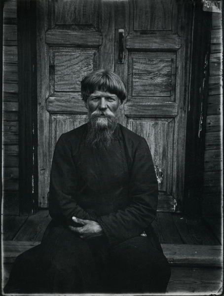 A senior priest. Taken by Maksim Dmitriev, 1897.