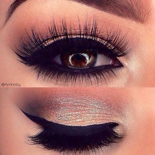 Gold eyeshadow - Smoky Eyes