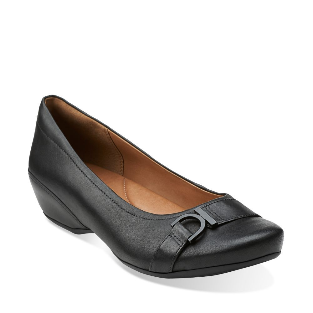 Concert Band Black Leather - Wide Shoes