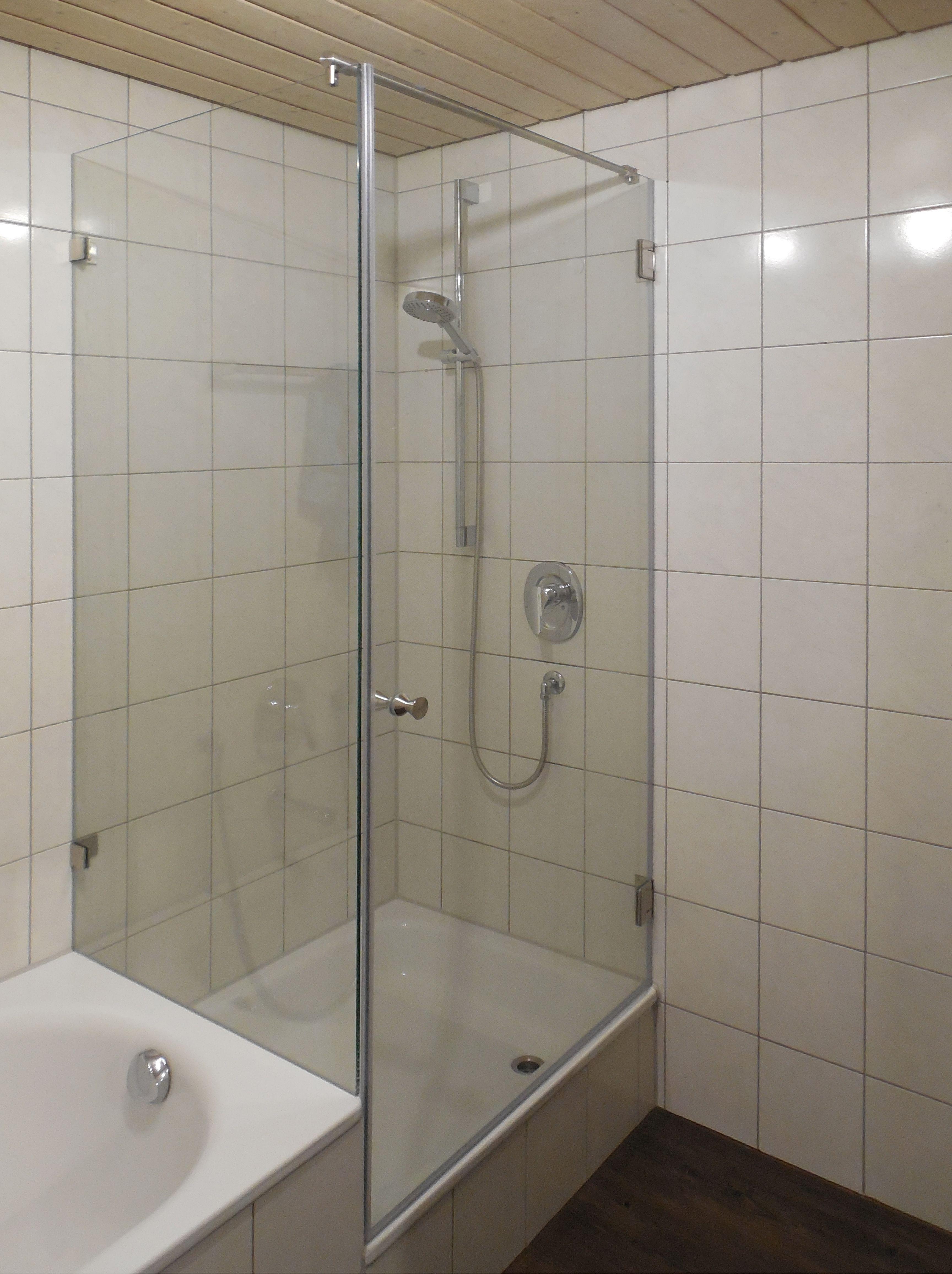 Grosse Glasdusche An Badewanne Dusche Renovieren Badewanne Glasduschen