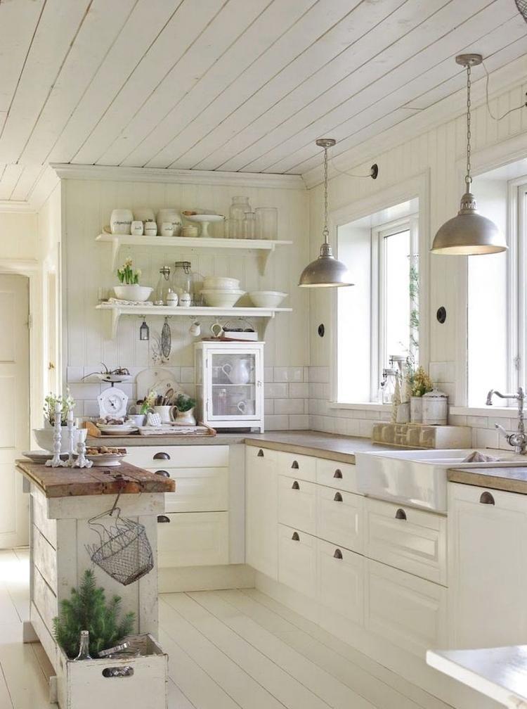Best 40 Beatiful Farmhouse Decor Ideas Small Farmhouse 400 x 300