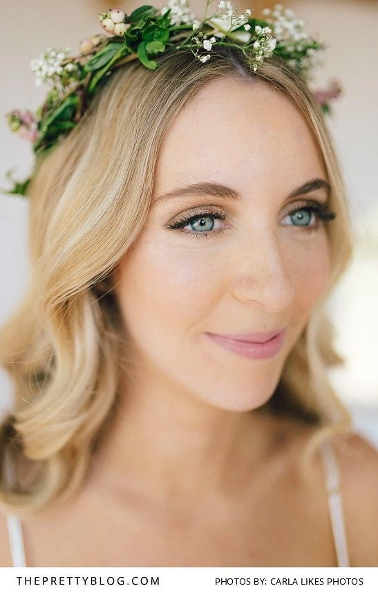 Gold Romantic Makeup for the Simple Bride | Photography by Carla Likes Photos | Hair and Makeup by Melissa Reed Makeup Artist