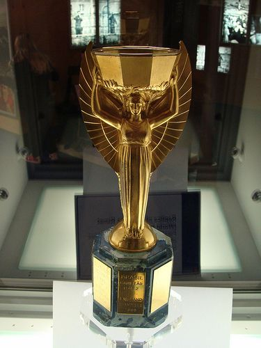 Jules Rimet World Cup Trophy This Is The Original Trophy That Was Eventually Won Outright By Brazil A With Images World Cup Trophy Soccer Trophy Fifa World Cup