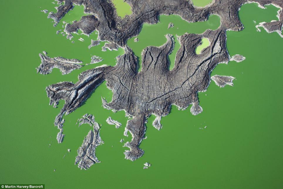 Kenyau0027s Lake Turkana the worldu0027s largest permanent