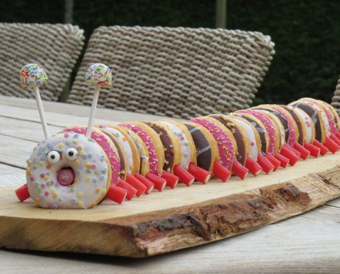 Afbeeldingsresultaat voor rups van donuts #donutcake