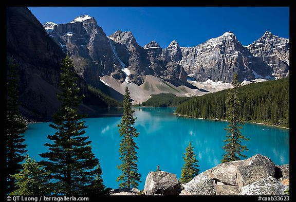 Moraine Lake and Wenkchemna Peaks, Banff National Park