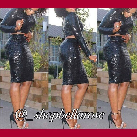 Gorgeous black sequin pencil skirt Turn heads with this gorgeous sequin pencil skirt. Has stretch. Runs true to size. Brand new with tags. PLEASE DO NOT PURCHASE THIS LISTING. COMMENT SIZE AND ILL MAKE A NEW LISTING FOR YOU. Available in sizes small-large Skirts Pencil