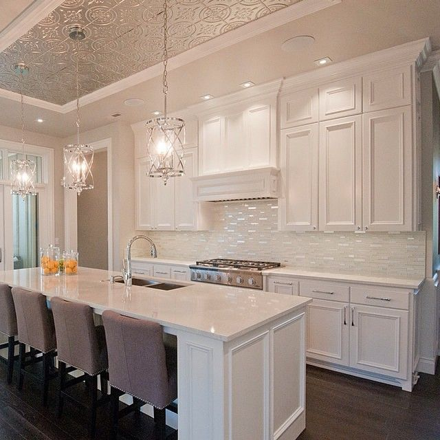 This Is A Very Elegant Kitche. The Ceiling, Splashback