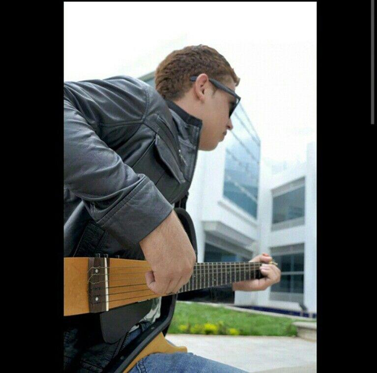 La música es el arte más directo, entra por tus oidos y llega a tu corazón.