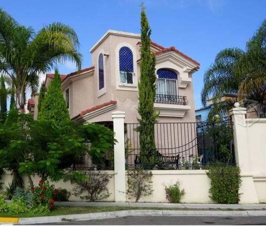 Modelos de fachadas de casas segundo 529 450 for Fachadas de casas segundo piso