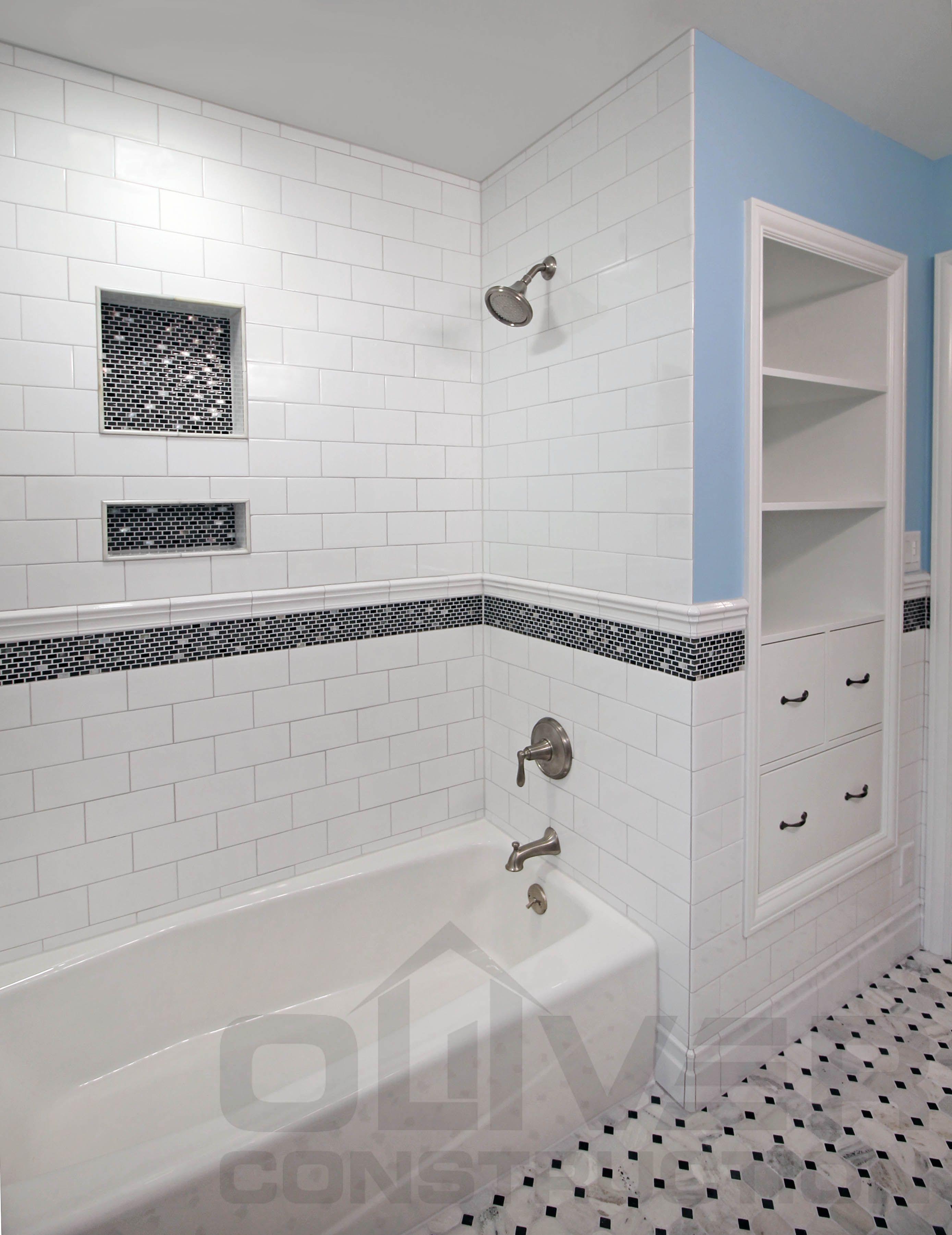 Closet And Bathroom Combo Room Ideas Https Silahsilah Com Home Decor Closet And Bathroom Combo Ro Accent Tile Bathroom Tub Shower Combo Subway Tiles Bathroom Tile accents in bathrooms