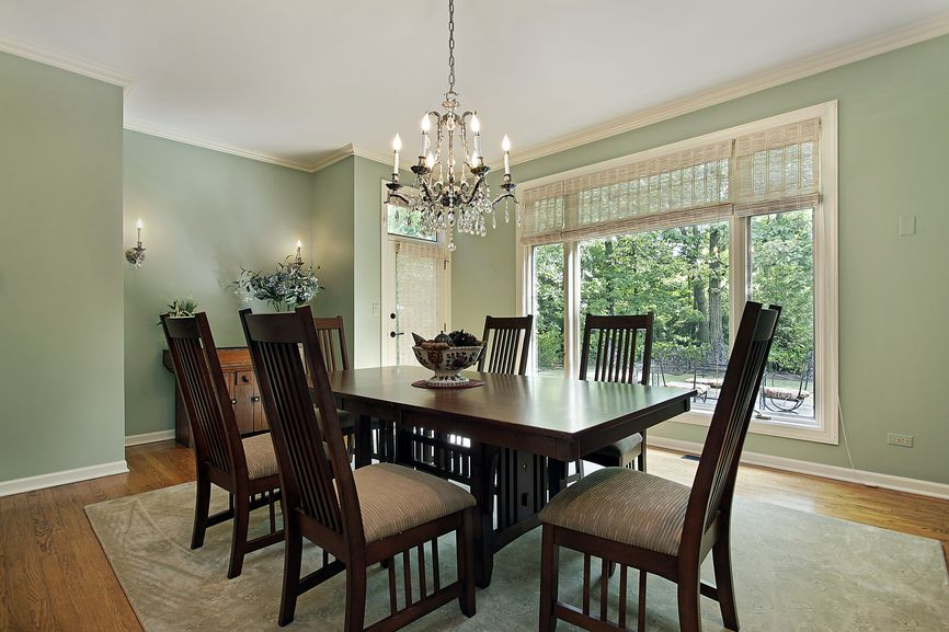 Dining room in mint green and white