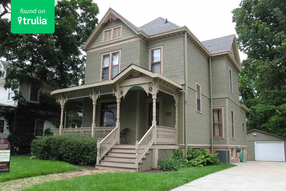 rural homes for sale bloomington il